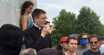 WATCH: Catholic Priest Among Defenders of St Louis Statue From Violent Mob